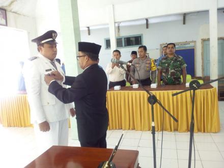 Penyerahan SK Pemberhentian Kepala Desa dan Pelantikan Penjabat (Pj) Kepala Desa Ngulungwetan
