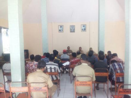 Rapat Koordinasi Rencana Pembangunan Jalan Rabat Beton Jalan Poros Desa RT. 09 - 10