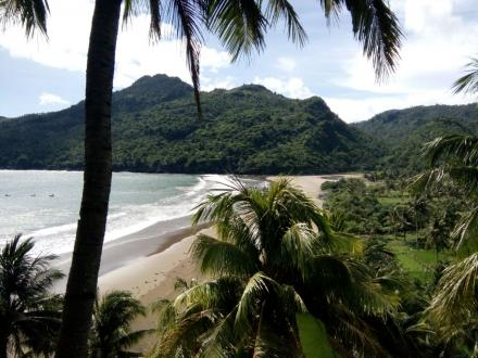 Pantai Ngulungwetan